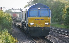 """66005 """"Maritime Intermodal One"""" - Burton-on-Trent, Staffordshire (The Walsall Spotter) Tags: martitimeone class66 66005 diesel locomotive staffordshire burtonontrent wakefieldeuroport didcot freight containers freightliners"""
