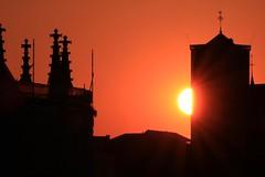 Liège 2019 (LiveFromLiege) Tags: liège sunset liege luik lüttich liegi lieja wallonie belgique belgium coucherdesoleil nofilter saintmartin saintpaul soleil rayons architecture europe city visitezliège visitliege urban belgien belgie belgio リエージュ льеж