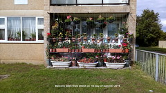 Balcony seen from street on 1st day of summer 2019 (D@viD_2.011) Tags: balcony seen from street 1st day summer 2019
