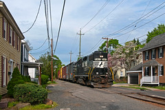 Residential Railroading (Erie Limited) Tags: conrail csao ca20 wpca20 moorestownnj pembertonindustrial train railfan railroad emd gp382 ns norfolksouthern