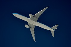 KLM Boeing 777 PH-BVS (stephenjones6) Tags: jet aircraft aviation boeing b777 b777300 b777306er phbvs msn61604 ott extremespotting klm dutch d3200 dobsonian nikon skywatcher sky blue telescope highaltitude highflyer