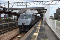 JR Kyushu 787 (BM-14), Futsukaichi (Kagoshima Main Line) (Howard_Pulling) Tags: 787 787series jr jrshikoku train trains zug bahn bahnhof