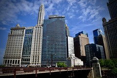 London House - Wyndham - Wabash Avenue Bridge Chicago IL (Meridith112) Tags: sky bluesky clouds cloud hotel bar restaurant londonhouse wyndham chicago il illinois wabash wabashavenuebridge bridge skyscrapper skyline building hilton wacker wackerdrive chicagoriver magnificentmile magmile michiganavenue loop may 2019 spring nikon nikon2485 nikond610