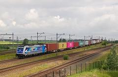 "RTB Cargo 186 297 ""Aachen"" - Lage Zwaluwe (rvdbreevaart) Tags: rtbcargo rtb lagezwaluwe br186 bombardier traxx aachen containertrein containershuttle trein eisenbahn railway ferrovie raw rawtherapee railpool"