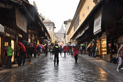 Auf der Ponte Vecchio (grasso.gino) Tags: italien italy italia toskana toscana tuscany nikon d7200 florenz firenze pontevecchio regen nass brücke bridge rain wet