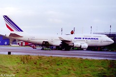 AIR FRANCE B747 F-GITB (Adrian.Kissane) Tags: aviation jumbojet jumbo ireland french ramp airport ground sky outdoors 744 747 boeing airline airliner aircraft aeroplane jet plane shannonairport 24990 b747 fgitb shannon airfrance