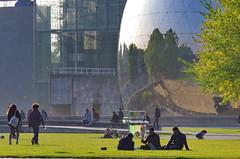 325 - Paris Avril 2019 - la Géode dans le Parc de La Villette (paspog) Tags: paris france avril april 2019 parc park lavillette parcdelavillette géode