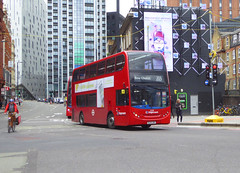 SLN 12331 - SL14LNX - OLD STREET ROUNDABOUT - THUR 20TH JUNE 2019 (Bexleybus) Tags: old street roundabout underground station adl dennis enviro 400 stagecoach london east hybrid 12331 sl14lnx tfl route 205