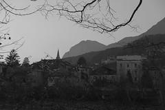 Innsbruck-2018_30 (rhomboederrippel) Tags: rhomboederrippel fujifilm xe1 november 2018 europe austria tyrolia innsbruck clearsky dusk bw monochrome inn river