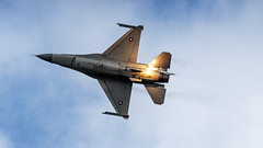 Danish Airforce F-16 popping flares (Nicky Boogaard) Tags: danishairforce f16 fightingfalcon luchtmachtdagen2019 lmd2019 volkelairbase