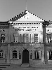 Innsbruck-2018_26 (rhomboederrippel) Tags: rhomboederrippel fujifilm xe1 november 2018 europe austria tyrolia innsbruck clearsky bw monochrome bergisel museum andreashofer