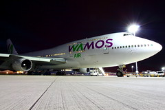 Wamos Jumbo (EC-MRM) (Fraser Murdoch) Tags: wamos air boeign 747400 ecmrm ec mrm rm b747400 b747 b744 747 744 jumbo jet queen skies fuel leak glasgow international airport egpf gla cancun cun mexico thomas cook airlines mt tcx mt2612 mt2962 mt2613 mt2693 stand 6 6a night shot canon eos 650d fraser murdoch aviation aircraft plane spotting eb boeing delay delayed tech technical problem engineer broken