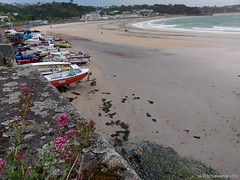 20190607-122016-072-JWB (Jan Willem Broekema) Tags: channel islands jersey st green nature beach bay ebb flood tides rocky plants saint ferry ships brélade cemetery ancient fisherman chapel parish church