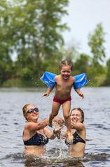 Fly of butterfly / Полет бабочки (dmilokt) Tags: река озеро пляж river lake beach отдых rest портрет portrait ребенок child dmilokt ins