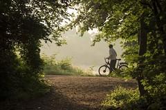 Prendre le temps de s'arrêter **---+°----° (Titole) Tags: bicycle bicyclette bike person morning misty trees bassindetrévoix naturalframing titole nicolefaton thechallengefactory unanimouswinner challengegamewinner 15challengeswinner