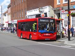 SLN 36586 - YY64GRX - ELTHAM HIGH STREET - SAT 22ND JUNE 2019 (Bexleybus) Tags: eltham high street shopping centre se9 south east london stagecoach selkent adl dennis enviro 200 tfl route 124 36586 yy64grx