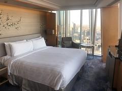 Room at the Shangri La Hotel at The Shard (David Jones) Tags: shangrila hotel theshard room bed
