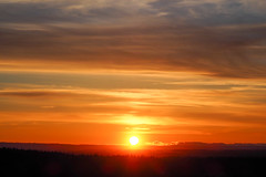 "June 16, 2019 Sunset I (Eclectic Jack) Tags: sunset gold golden sunburst panorama panoramic peace peaceful nature summer june 2019 color scenic light landscape horizon olympus camera evening twilight fire fiery cloud clouds dramatic serene pnw northwest pacific oregon washington sunshine ""sundown"" ""goldenhour"" glorious majestic heavenly"