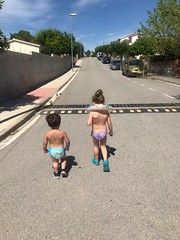 nap-bufs (Joan Pau Inarejos) Tags: ordal piscina caminar nebots carretera família familia familiars vacances vacaciones junio julio 2019