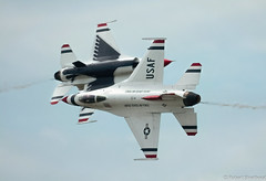 Nothing Like A Close Shave (Robert Streithorst) Tags: airforce airplane daytonairshow2019 f16 falcon fighter flight fur headon inflight jet military nearmiss opposing redwhiteandblie robertstreithorst thunderbirds usaf aircraft