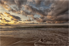 La ola caracolea en la arena (Fernando Forniés Gracia) Tags: españa paísvasco vascongadas guipuzcoa zarautz ocaso puestadesol atardecer paisaje landscape naturaleza playa mar cielo nubes