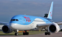 G-TUIC (AnDyMHoLdEn) Tags: thomson tui 787 dreamliner egcc airport manchester manchesterairport 23l