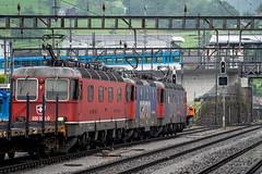 A powerful trio: changing the driver (1/2) (jaeschol) Tags: arthgoldau bbc bahnhof eisenbahn elektrischelokomotive europa europe kantonschwyz kontinent lokomotive re421 re421393 re620 re620008 re620024 rothrist saas slm schweiz suisse switzerland transport wetzikon chemindefer railroad railway