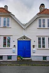 19-06 - Stavanger - La porta blu (FedeWatchTheHorizon) Tags: norway norvegia travel travelphotography