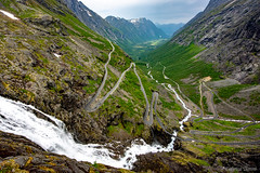 16-06 - Geiranger - Cascata Stigfossen con Trollstigen (FedeWatchTheHorizon) Tags: norway norvegia travel travelphotography