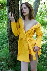 Nude in belted yellow and wellies (11 pics) (sexyrainwear_dot_online) Tags: raincoat regenmantel pvc rainjacket regenjacke wellies gummistiefel rubberboots