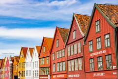 15-06 - Bergen - Harbour houses (FedeWatchTheHorizon) Tags: norway norvegia travel travelphotography
