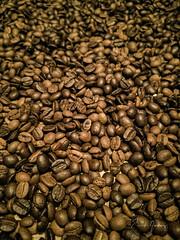 Coffee Beans 2 (Enio Godoy - www.picturecumlux.com.br) Tags: mobileart celular clouseup mobilephotography photomobile viveza2 niksoftware margarethtavano texture cellularphone coffee 1x1 mobilephone details huawei huaweimobile huaweip20pro h072019maio30moraes mobile macro p20pro grains coffeebeans mobgrafia phone