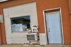Antique Shop, Vandalia, MO (Robby Virus) Tags: vandalia missouri mo antique shop store closed business window door facade storefront