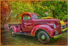 Pickup to be Admired (jta1950) Tags: pickup truck classic old antique lesbellesautosdhiermontmorencyjune162019 reflections trees