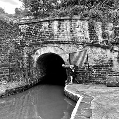 No, you can't see t'other end (@WineAlchemy1) Tags: standedge tunnel canal marsden yorkshire tunnelend huddersfieldnarrowcanal blackandwhite noiretblanc blancoynegro monochrome nerosubianco