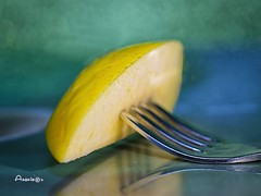 MM_Apple piece on a fork (Anavicor) Tags: stylingfoodonafork hmm mm macromondays apple manzana pomme apfel maçã mela tenedor fork forchetta fourchette gabel garfo macro tine diente reflection reflejo forked