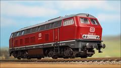 Diesellok 215 061 - 3 (hans der insulaner) Tags: lokomotive diesellokomotive diesellok lok modellbahn bahn h0 187 roco train canon macro makro stacking focusbracketing canoneosr