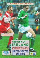 Republic Of Ireland vs United States Of America - 1992 - Cover Page (The Sky Strikers) Tags: republic of ireland eire united states america usa lansdowne road international match friendly official souvenir programme one pound fifty