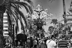 Alacant en Festes  #Fogueres 2019  Alicante en fiestas#Hogueras 2019 (El Chino Valverde) Tags: hogueras 2019 alicante fiestas fogueres alacant festes gent carrer explanada fuji fujifilm xpro 35mm