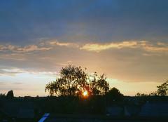 2019_06_190011 (Gwydion M. Williams) Tags: sunset coventry britain greatbritain uk england warwickshire westmidlands chapelfields sirthomaswhitesroad