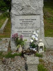 Canterbury City Cemetery - Joseph Conrad's grave (A J Hammond) Tags: canterbury city cemetery josephconrad
