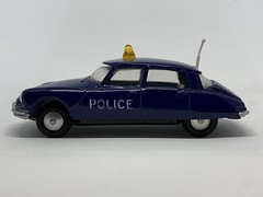 Metosul Portugal - Number 22 - Citroen DS19 - Police Car - Miniature Diecast Metal Scale Model Emergency Services Vehicle. (firehouse.ie) Tags: citroen ds police metosul coche coches cars car metal miniatures miniature model cops models cop citroends citroends19 citroens