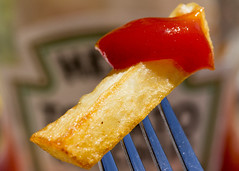 You want Fries With That? (Helen Orozco) Tags: macromondays stylingfoodonafork hmm potatochip ketchup heinz fork