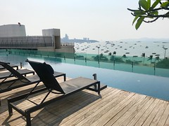 pool view (ChalidaTour) Tags: thailand thai asia asian pool sea hotel view travel guide tour chairs boats ocean beautiful holiday vacation seven