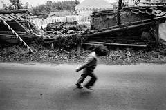 Street 601A (soyokazeojisan) Tags: japan nara street city people bw blackandwhite monochrome analog olympus m1 om1 21mm film neopanf memories 1970s