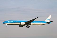 Boeing 777 PH-BVC KLM Asia (Jarco Hage) Tags: boeing 777 phbvc klm asia byjarcohage aviation airplane aircraft netherlands nederland airport eham ams amsterdam luchtvaart luchthaven vliegtuig vliegtuigen morning zon sun zonopkomst sunset ochtend