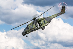 rotating (Fotos aus OWL) Tags: tagderbundeswehr2019 fasberg spottertag nh90 helicopter hubschrauber
