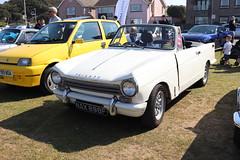 Triumph Herald 13/60 NAX898F (Andrew 2.8i) Tags: classics meet show cars car classic weston westonsupermare british bl britishleyland open cabriolet convertible 1360 herald triumph