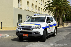 Polis (© Freddie) Tags: aruba oranjestad polis police isuzu renaissance renaissancearubaresortcasino marinahotel fjroll ©freddie