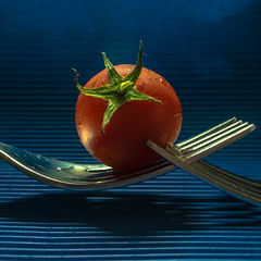 Tomato (2 of 3) (+Pattycake+) Tags: blue red macro metal fruit tomato waterdroplets babytomato vinetomato panasonicdmcgm1 ©patriciawilden2019 artsypicpatty